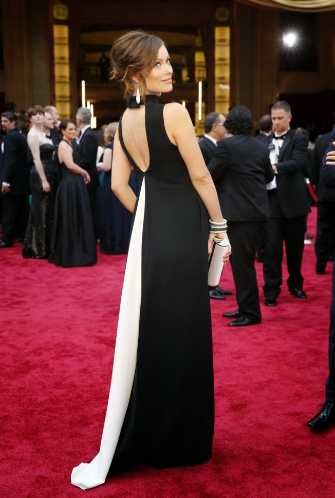441038-2014-oscars-red-carpet-pregnant-olivia-wilde