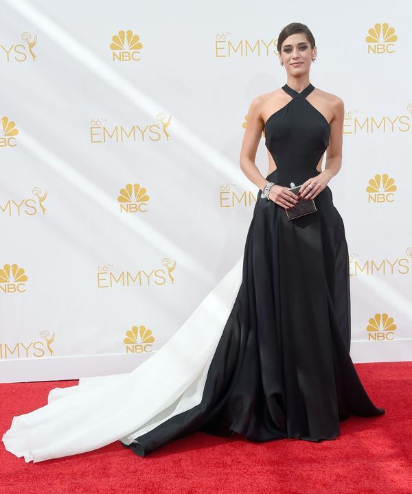 8e76f900-2cb2-11e4-9f24-99795dbdd76d_Lizzy-Caplan-2014-primetime-Emmy-Awards